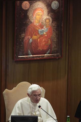 Benedetto XVI presenta il nuovo Anno della Fede